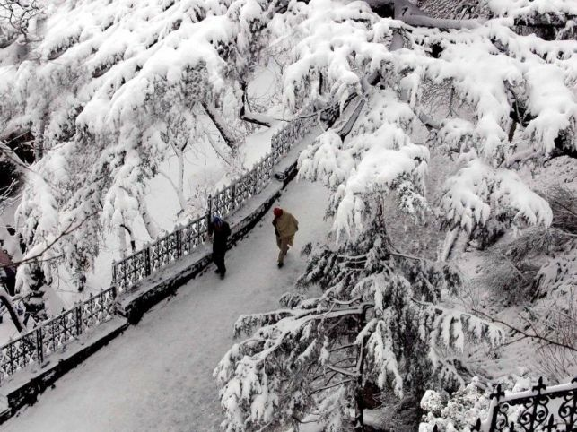 Himachal Pradesh Tourist Attractions - Dalhousie snowfall